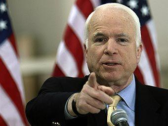 Путин создает военные конфликты, отрицает свою причастность, а затем торгуется на переговорах - Дж.Маккейн